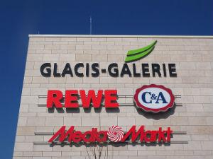 Rewe holt zu Gegenschlag gegen Foodwatch aus